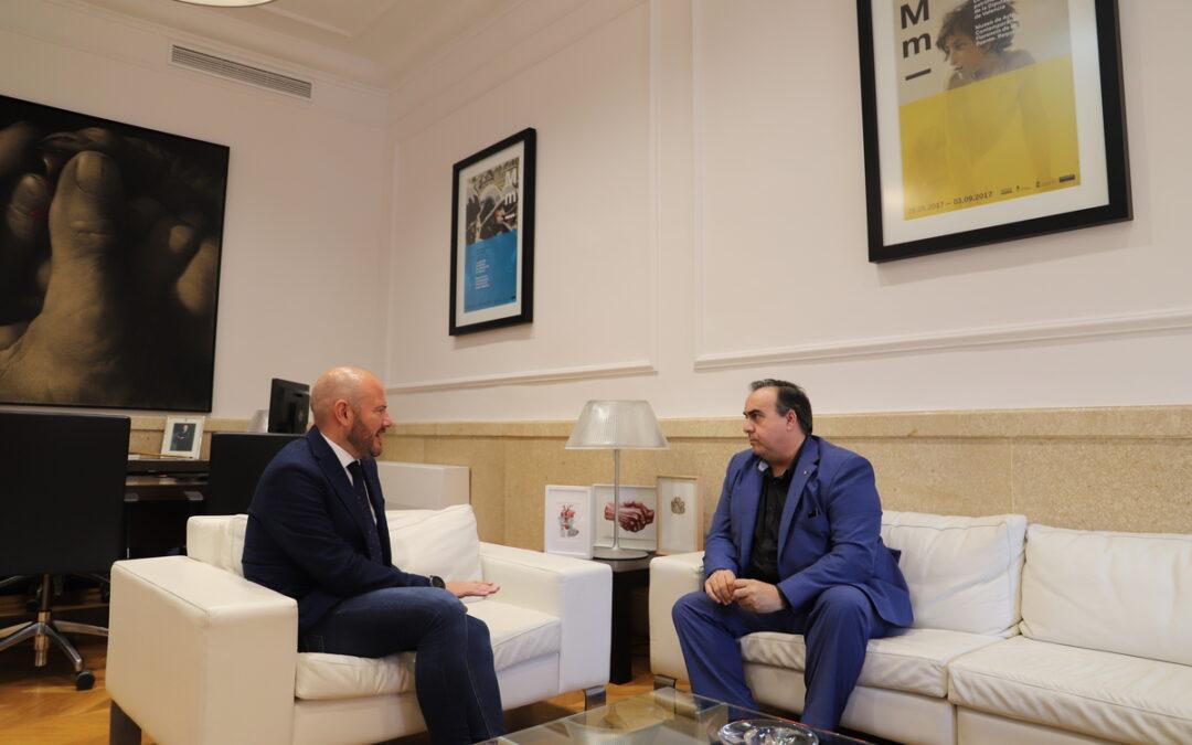 Toni Gaspar, presidente de la Diputació, recibe a Juan Carlos Galindo, presidente de ASEBLAC